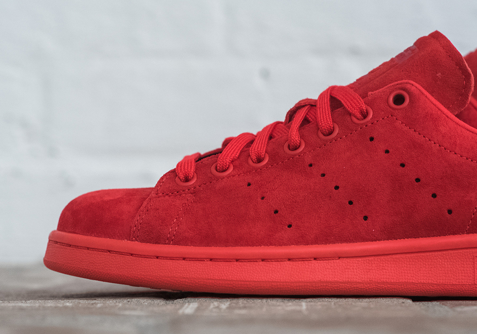 It's About Time An All Red adidas Stan Smith Appeared