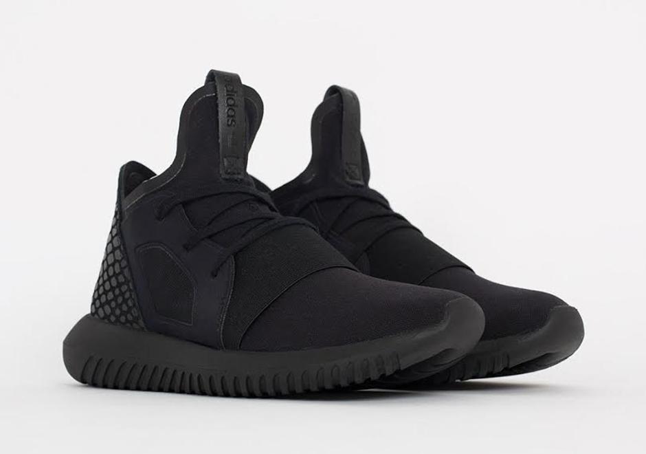 low priced 4d7f8 78b59 adidas tubular all black