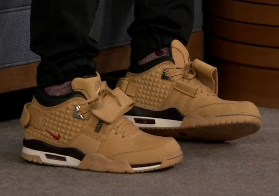 online retailer 4eafb c4c42 Victor Cruz  New Signature Shoe Makes Its Debut On Jimmy Fallon