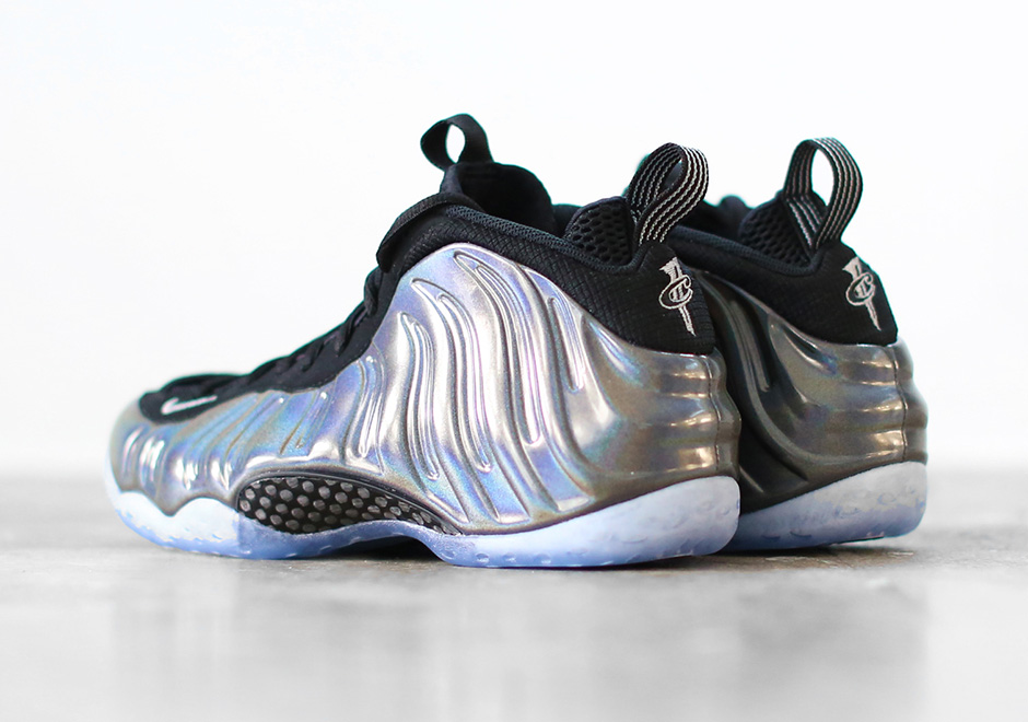 478da4af36d29 hologram nike air foamposite one news