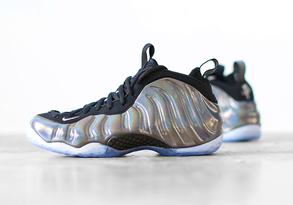 "The ""Hologram"" Foamposites Release The Day Before Thanksgiving"