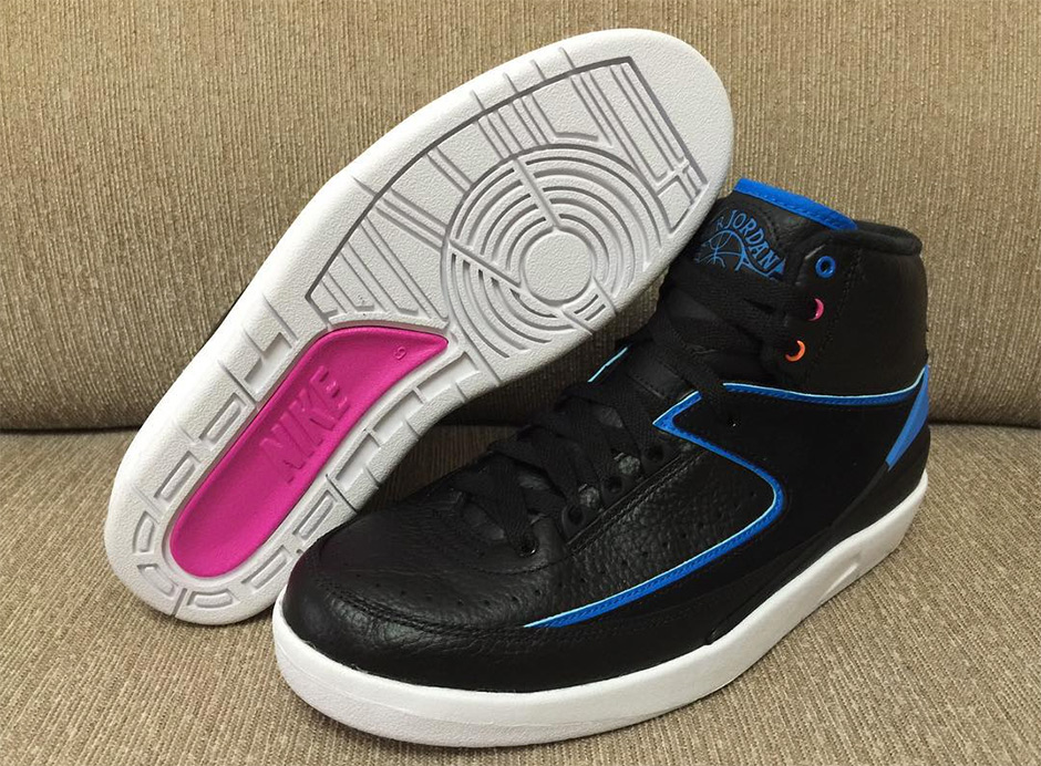 9ee0fbfd83ec4e Color  Black Pink Fire-Photo Blue-Atomic Orange Style Code  834274-014. Release  Date  January 9th