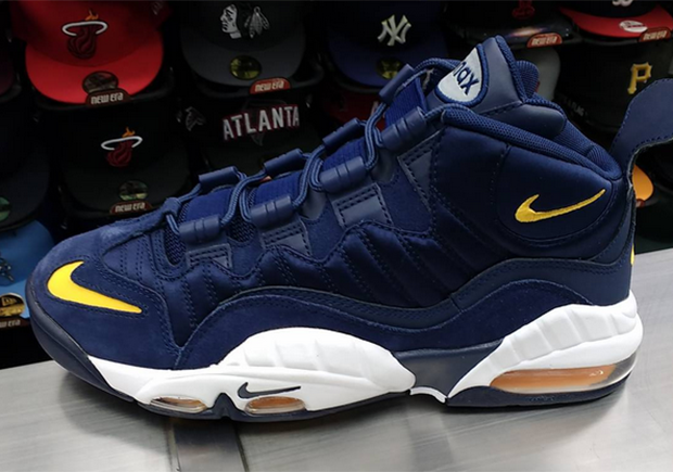 finest selection 731ec dd739 Is This Nike Air Max Sensation A Tribute To The Michigan Wolverines