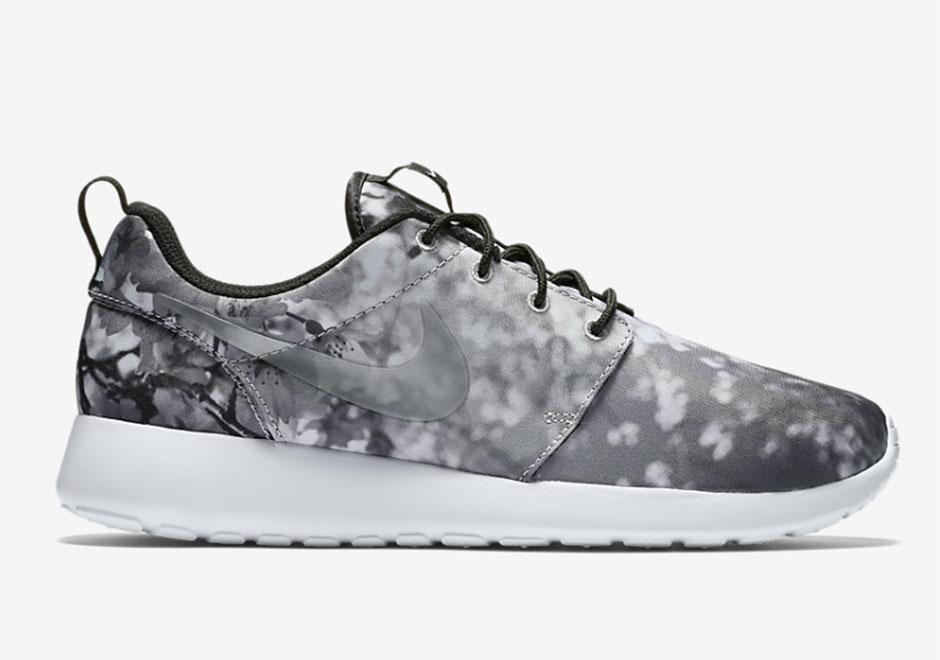styl mody przystojny moda Cherry Blossoms On The Nike Roshe Run - SneakerNews.com