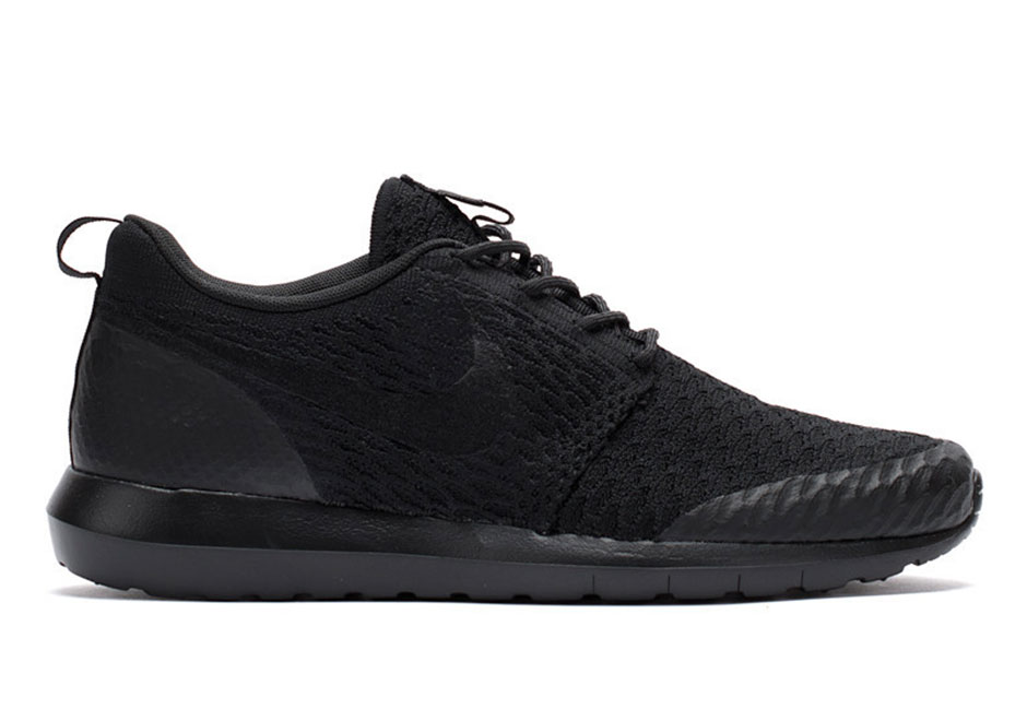 b5796a749d57 One Of The Best All-Black Flyknits Are Actually Nike Roshes ...