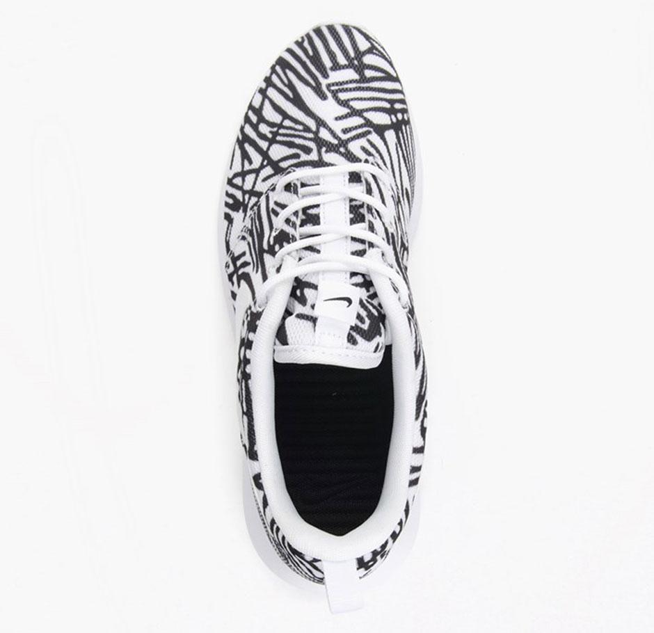 c99dc41fc08 Women s Nike Roshe One Print. Color  White Black Style Code  599432-110