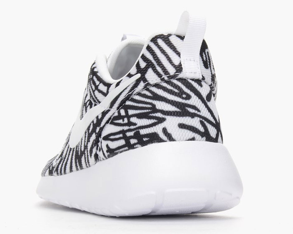 ba4f21c0bf2 Wild Prints Matched With Black And White For The Nike Roshe Run -  SneakerNews.com