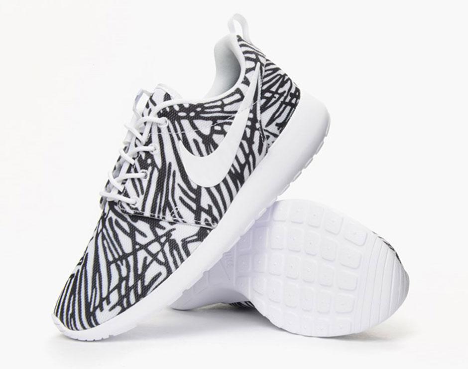 Nike Femmes Roshe Print Run (noir / Blanc)