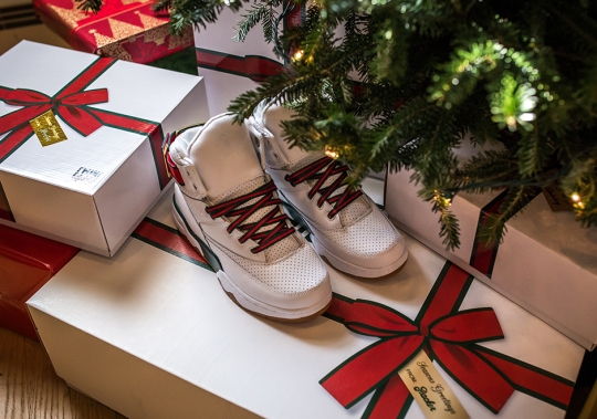 """There's An Underlying """"New York"""" Theme In Packer Shoes' Ewing 33 Hi """"Christmas"""" Collection"""