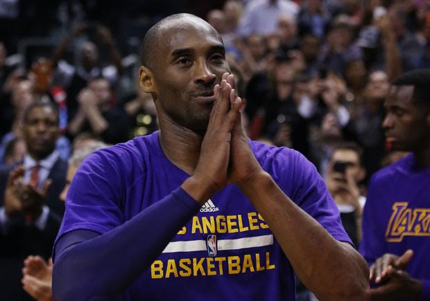 398fb01b376 Kobe Bryant Gets A Farewell Gift From One Of His Biggest Fans In The ...