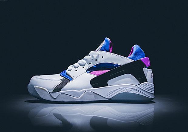 Mens Nike Air Flight Huarache Basketball Shoes