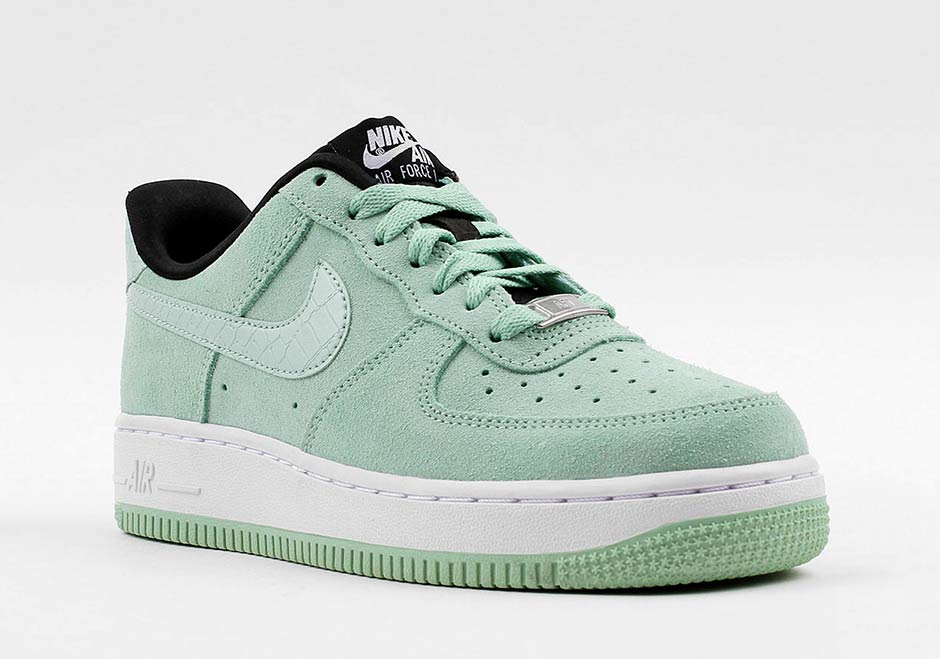 nike air force ones 2016