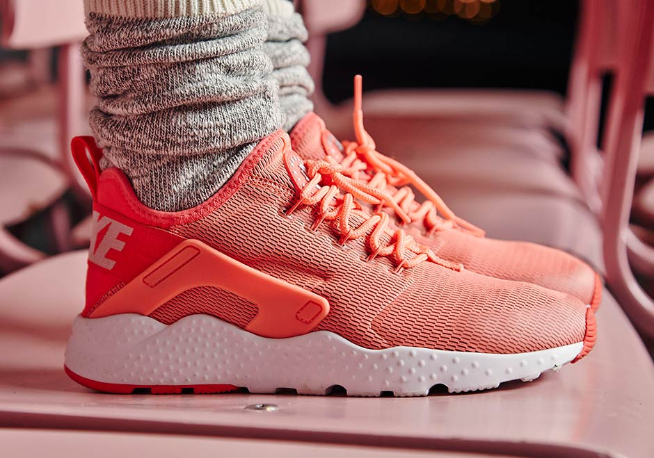 new arrival 7a7b9 beaec Travel In Style This Holiday Season With The Nike Air Huarache Ultra -  SneakerNews.com