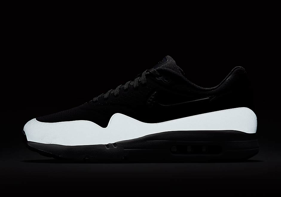 nike air max 1 ultra moire black reflective material