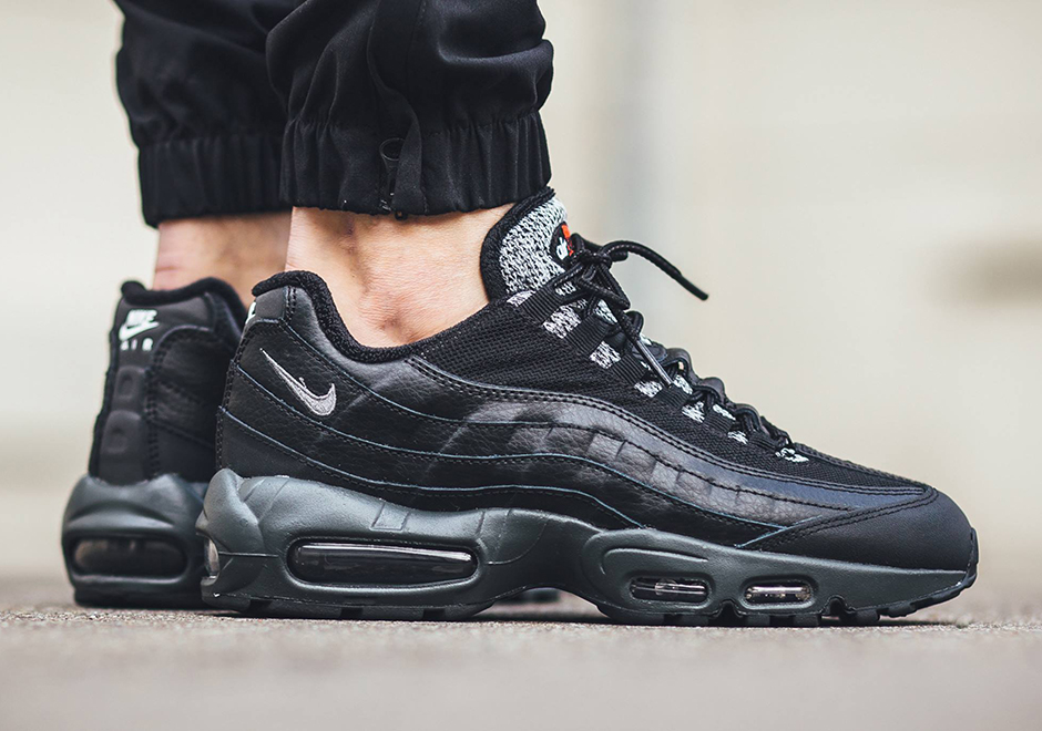 spain nike air max 95 og all black 32e29 3a047