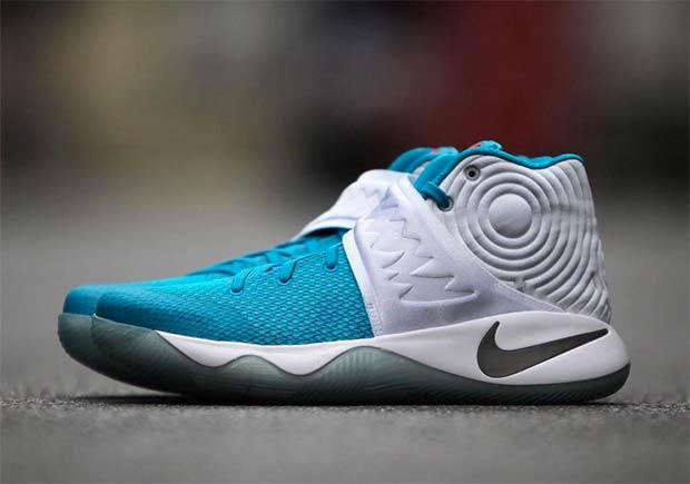 buy popular f558f 9516e Nike Kyrie 2