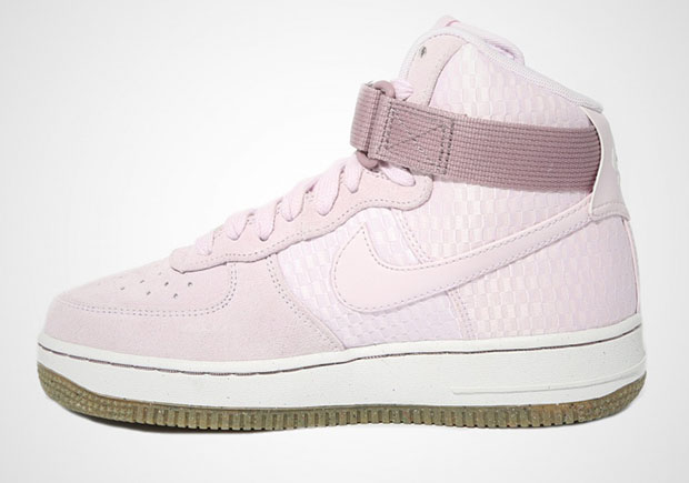 fa88194a766e Nike WMNS Air Force 1 High. Color  Bleached Lilac Bleached Lilac