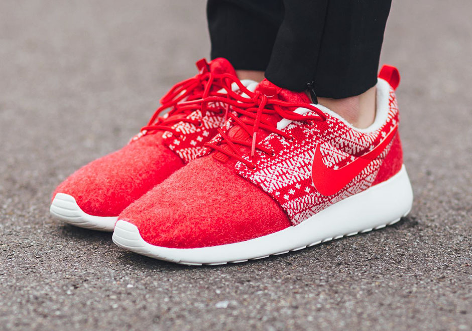 new style 5f405 24698 Nike Roshe One 2015 Holiday Release | SneakerNews.com