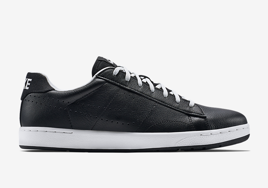 new product 7a10e 62dcc NikeCourt Tennis Classic Ultra. Color  Black Black-White