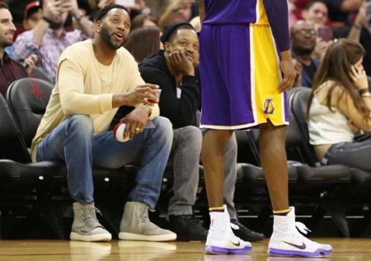 Tracy McGrady Chats With Kobe Bryant Courtside While Wearing Yeezy Boost 750