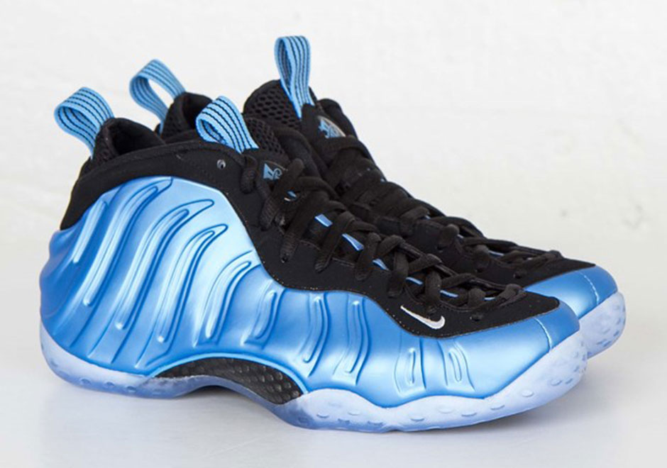 The Nike Air Foamposite One Legion Green Drops in Two ...