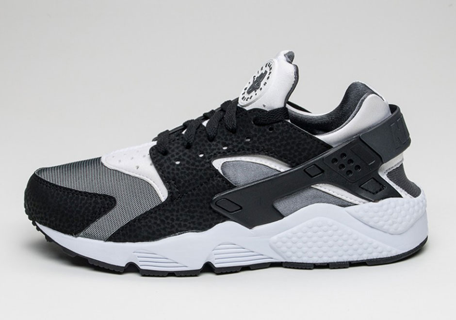 Nike Air Huarache Black And White