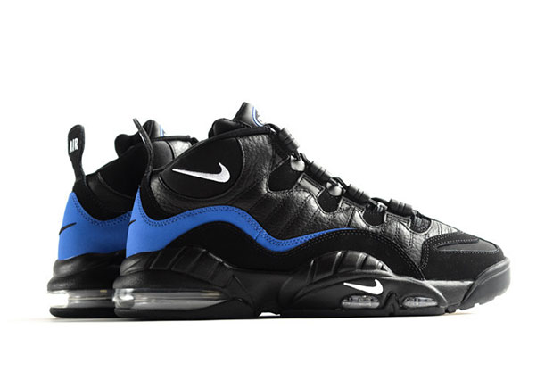 The wait is finally over for the many fans of this classic mid-90s Nike Basketball sneaker. The original and never-before-retroed black and royal colorway ...