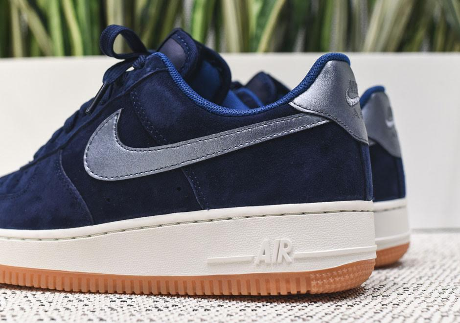 uk availability e4dea 22c8d Nike Air Force 1s With Gum Soles Arrive Just For Women - Sne