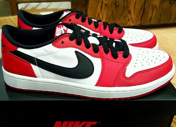 separation shoes 6976b cd2a1 Air Jordan 1 Low Chicago 705329-600   SneakerNews.com
