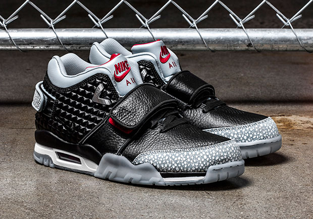 watch 58200 36774 ... Nike Air Trainer Cruz In Wolf Grey Is Up Next Theres no doubting Victor  Cruzs love for sneakers, and the thoughtful colorways of his Air ...