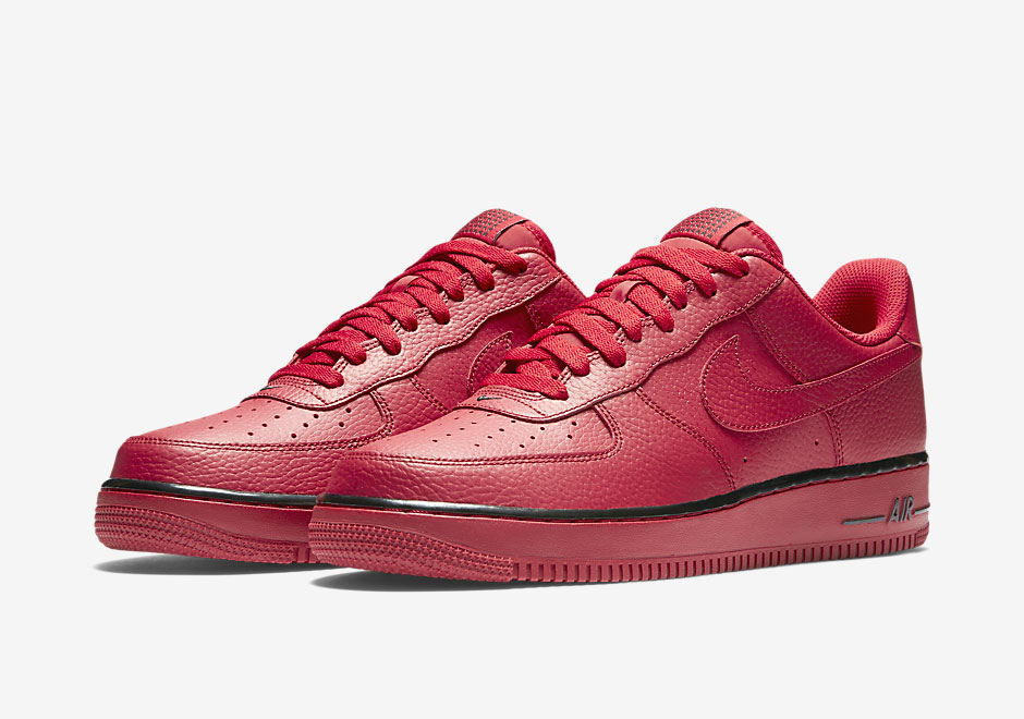 red nike air forces