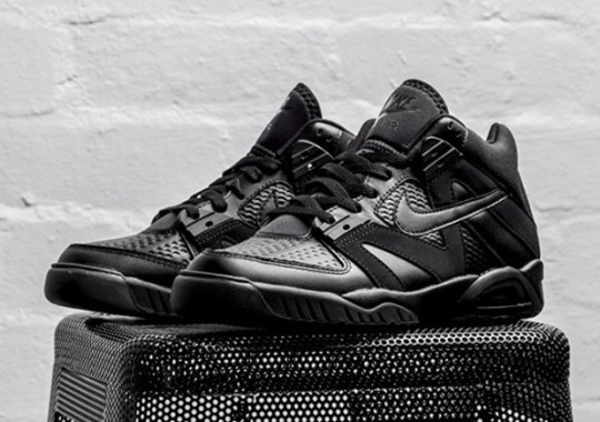 "Nike Air Tech Challenge III ""Triple Black"""