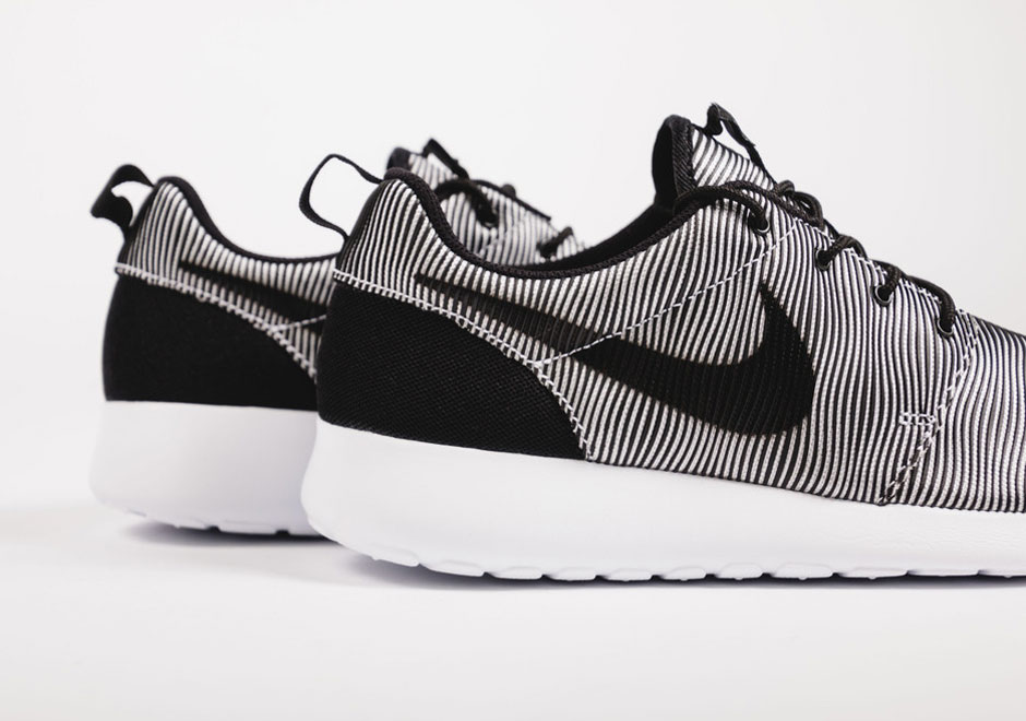 Introducing The Nike Roshe Run Premium Plus