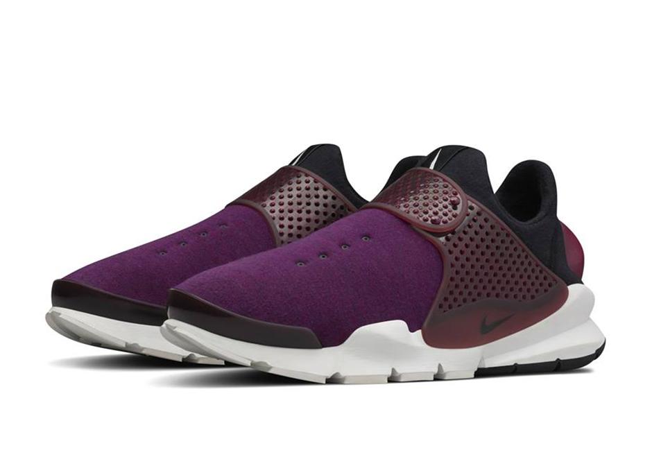 "wholesale dealer 93ea5 02c47 A Detailed Look At The Nike Sock Dart ""Tech Fleece"" SP"