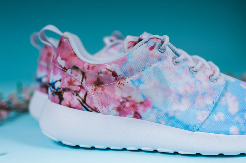 nike cherry blossom running shoes