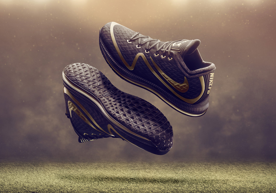 new style 9834e d8891 ... at Nike.com and select Nike retailers beginning January 19th, allowing  plenty of time to get outfitted before the main event on February 7, 2016.