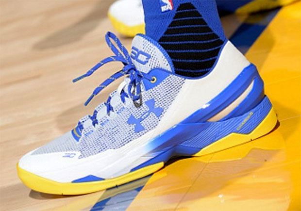 Steph Curry Briefly Broke Out The UA Curry Two Low Against The Spurs