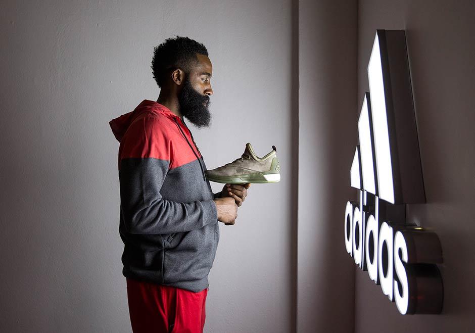 Adidas Crazylight Øke 2,5 Utgivelsesdato