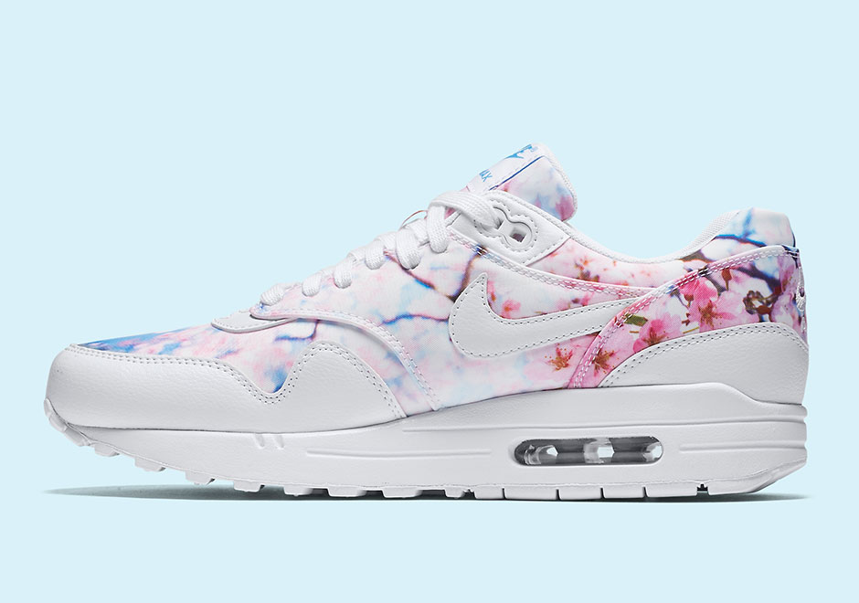 NIKE Air Max 1 Print Cherry Blossom Sneakers WOMENS SZ 6 White University Blue