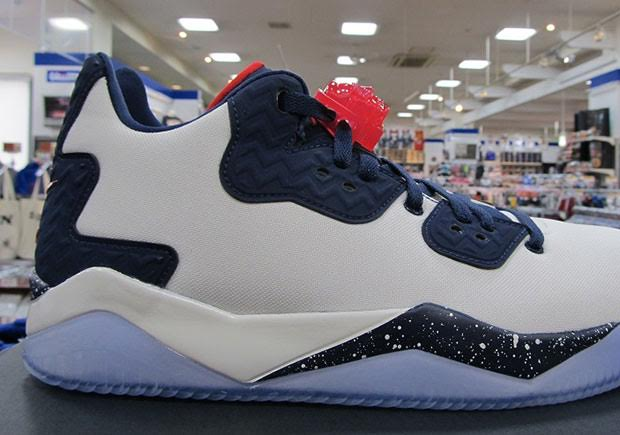 d42596955c27 First Look At The Jordan Spike 40 Low