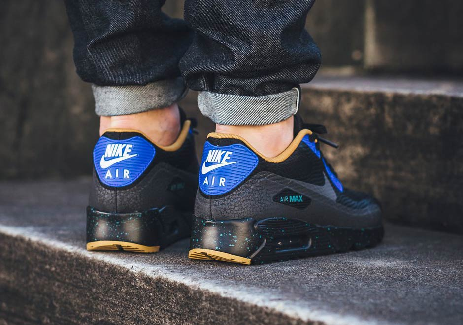 "bc4e8f9851e8 Nike Air Max 90 Essential ""Racer Blue"""