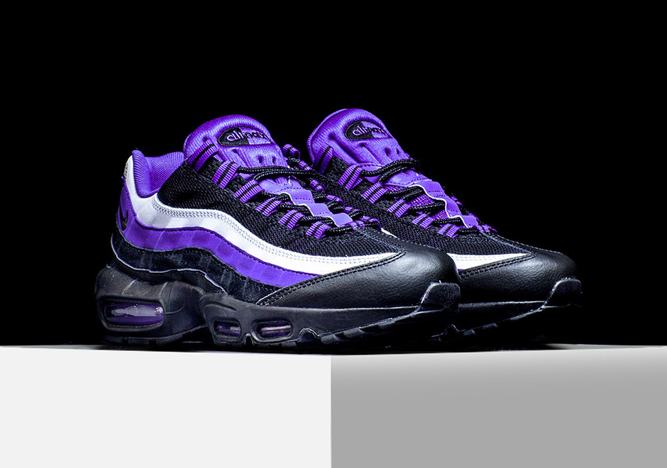 the nike air max 95 borrows the signature persian violet. Black Bedroom Furniture Sets. Home Design Ideas