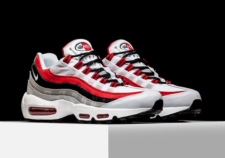 Nike Air Max 95 Couleur Rouge Universitaire Essentielle