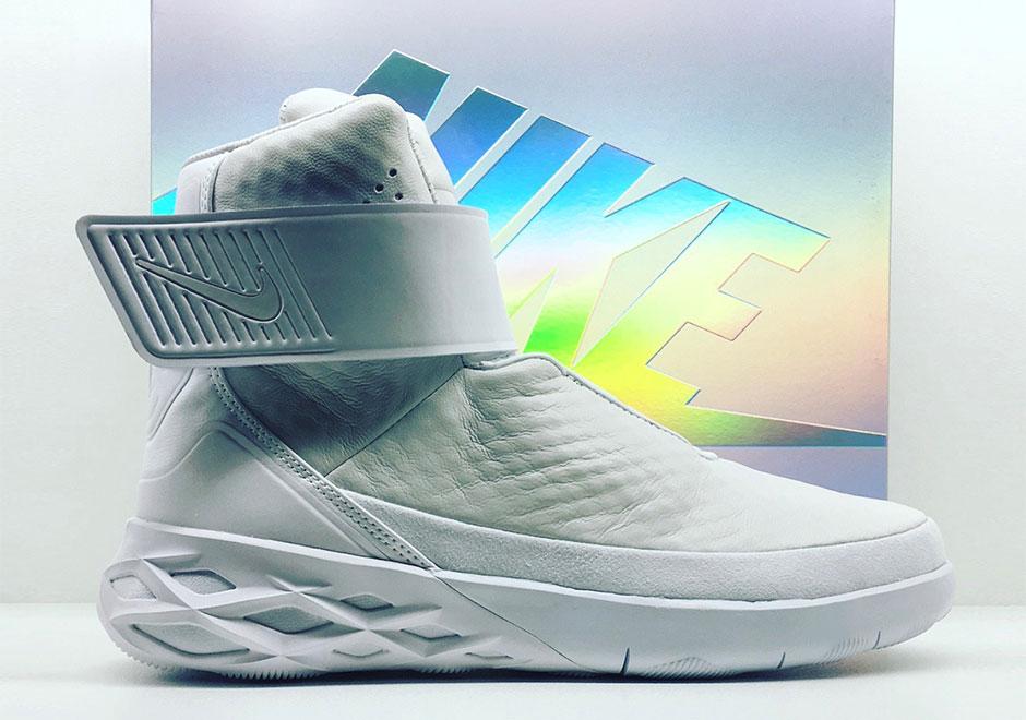 brand new ad5d4 c1f53 Nike Swoosh Hunter   SneakerNews.com