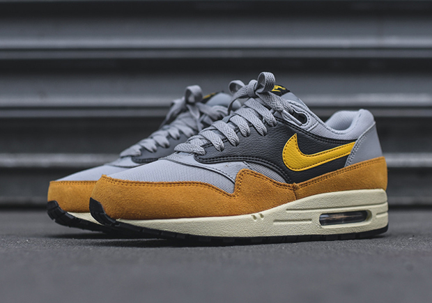 promo code aa14f bbafc Female fans of the Air Max 1 can find these arriving now at select Nike  Sportswear retailers like Kith NYC.