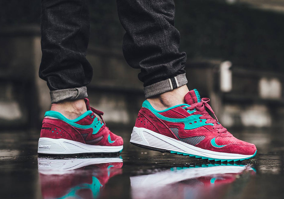 saucony grid 8000 on feet