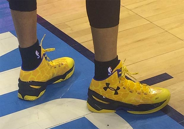 Take A Look At The Shoes Steph Curry Buried The OKC Thunder With ... 9ee7adcbe