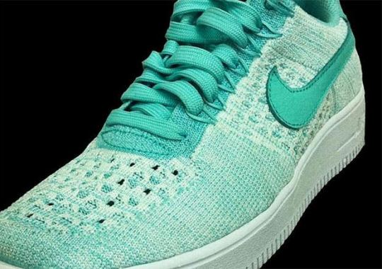 "Nike Air Force 1 Low Flyknit ""Green Glow"""