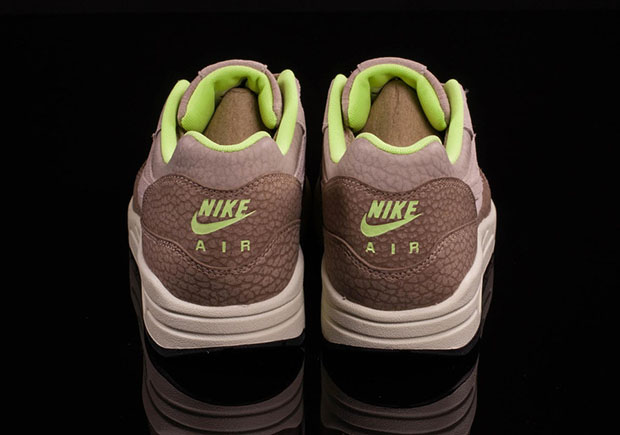 low priced 4e3d0 0188f Nike Air Max 1 String Ghost Green 512033-203  SneakerNews.com