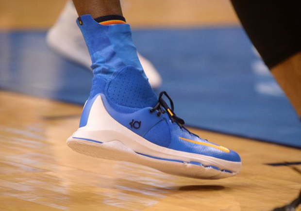 online retailer fb2c3 eea21 Kevin Durant Broke Out A New PE Of The Nike KD 8 Elite